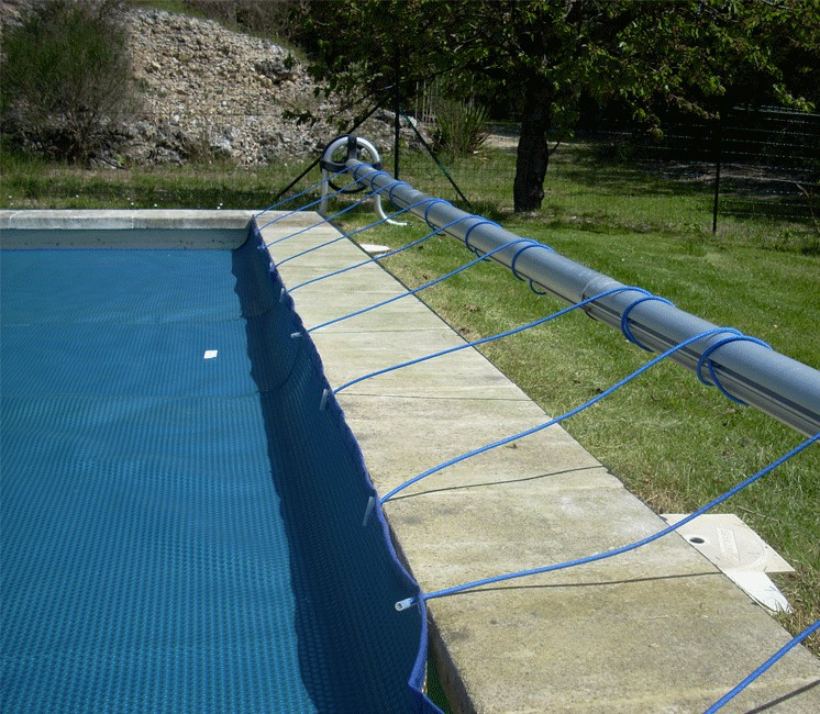 Piscine enrouleur b che for Enrouleur piscine enterree